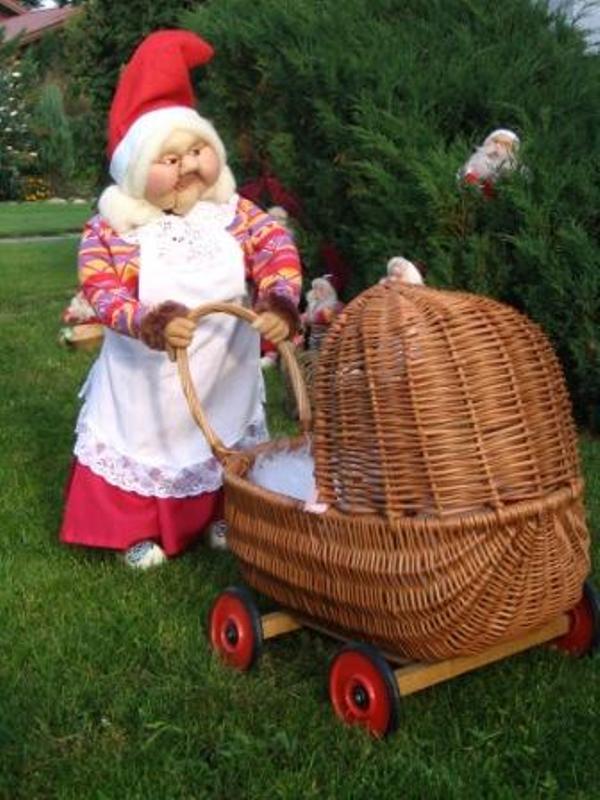 Nissemor med barnevogn