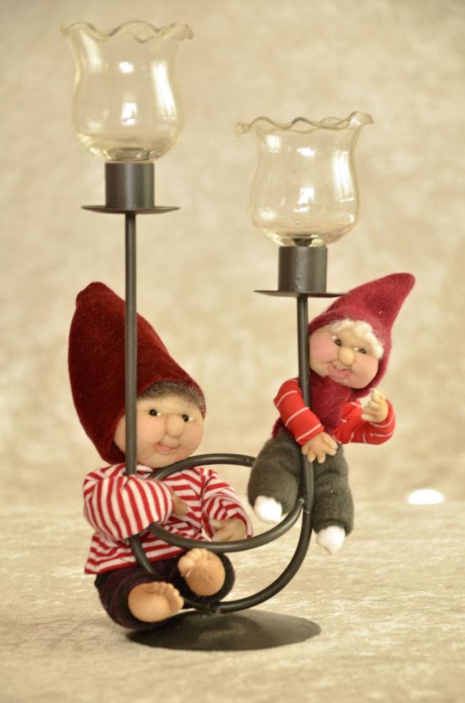 Lille nisse og mininisse på lysestage